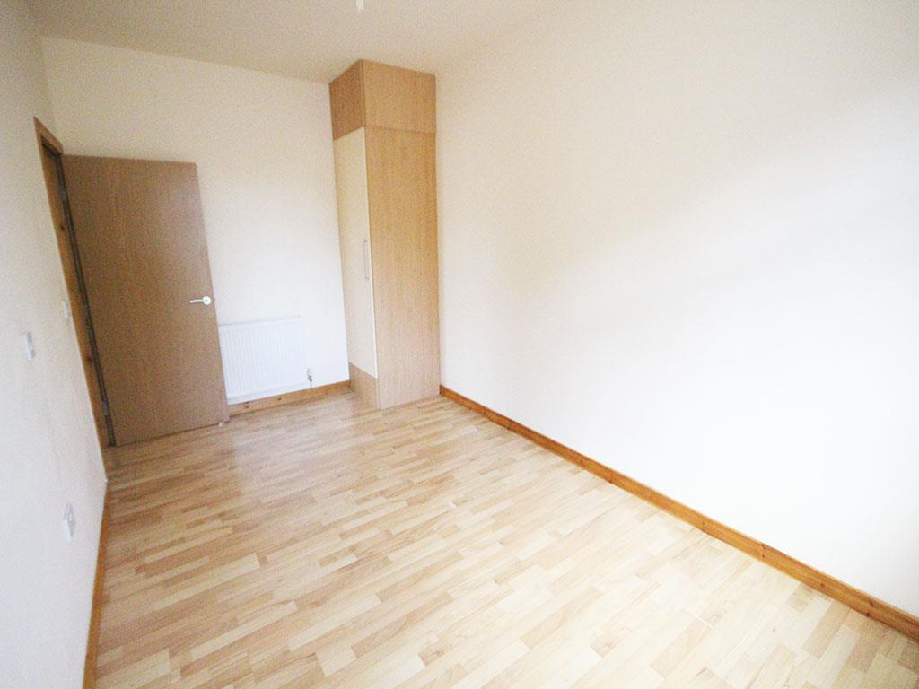 2 bedroom apartment To Let in Colne - IMG_3440.jpg